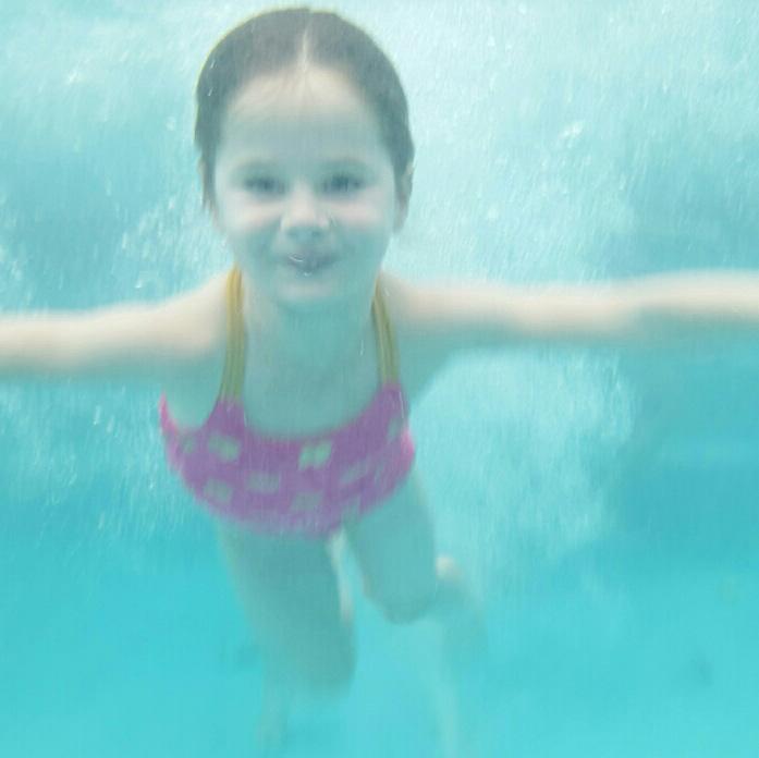 swimmer-underwater